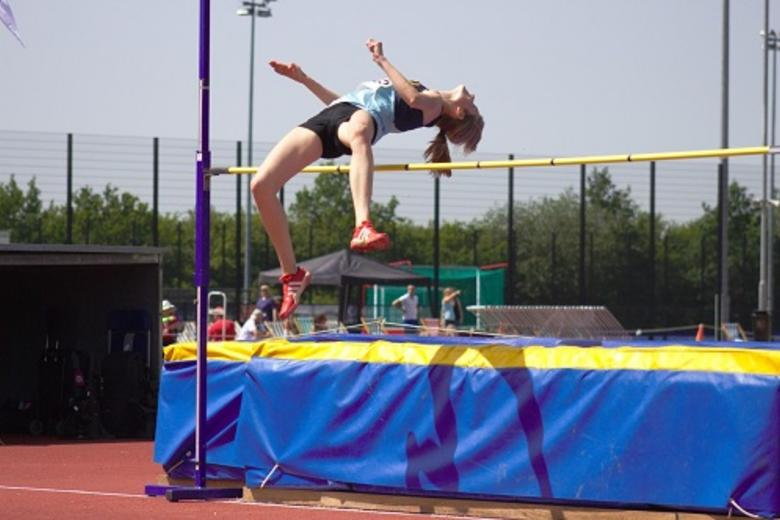 Teele high jumping