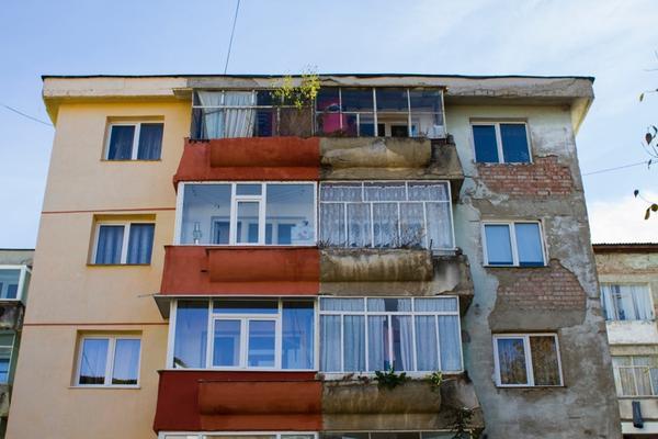 maria salaru  disobedient buildings