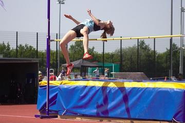 Teele high jumping